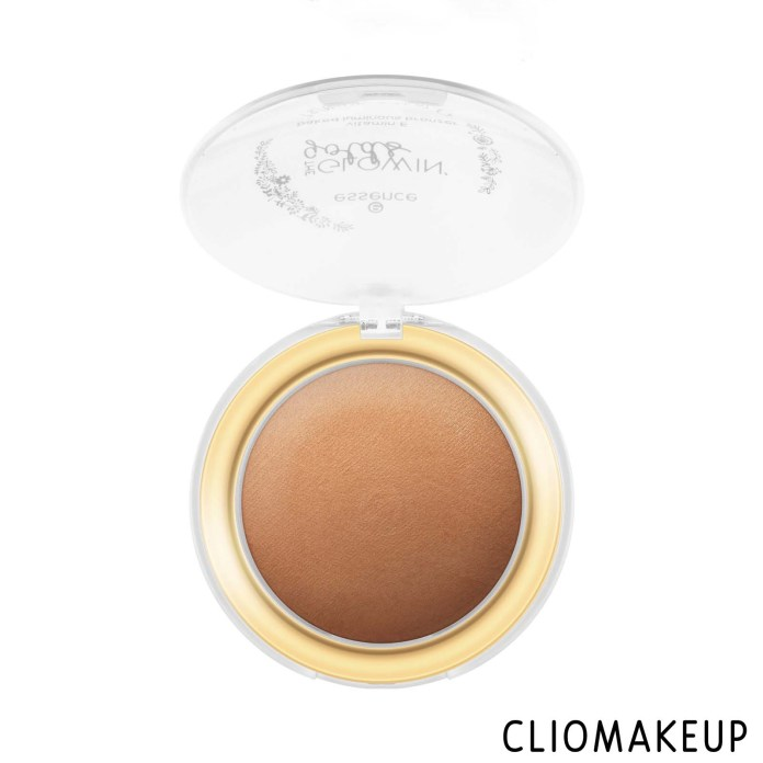 cliomakeup-recensione-bronzer-essence-the-glowin-golds-vitamin-e-baked-luminous-bronzer-3