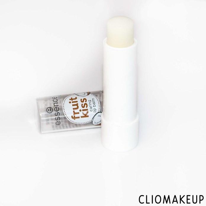 cliomakeup-recensione-balsamo-labbra-essence-fruit-kiss-caring-lip-balm-coconut-lust-3