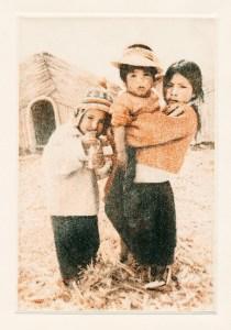 ウロス島の子ども