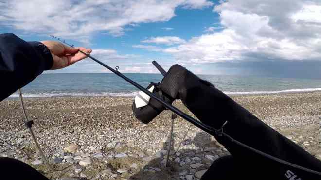 montaggio canne tre pezzi da feeder in mare