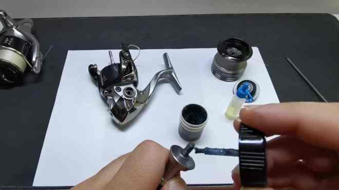 lubrificazione con grasso manovella mulinello