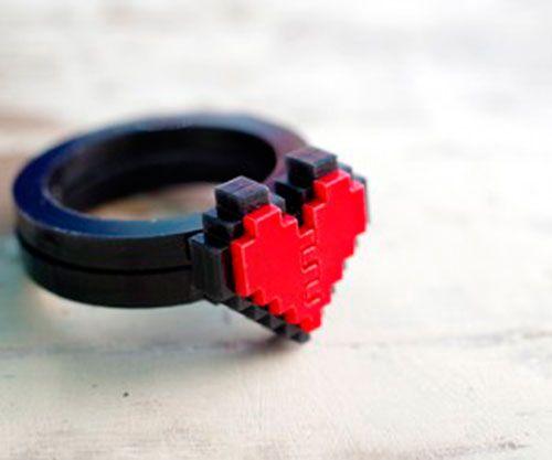 zelda-pixel-heart-jewelry-by-nastalgame-5-300x250