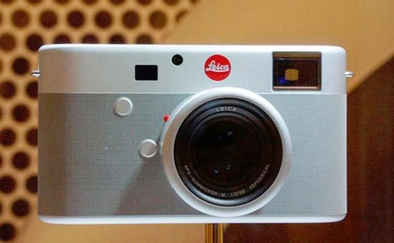 red-leica-ive-