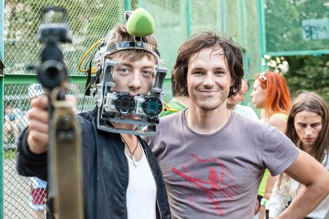 Sergey Valyaev y Seva Kaptur. Foto © STX Entertainment