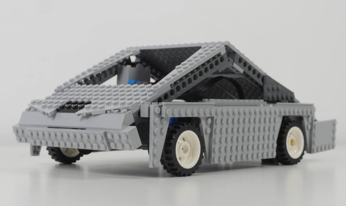 tesla cybertruck lego1