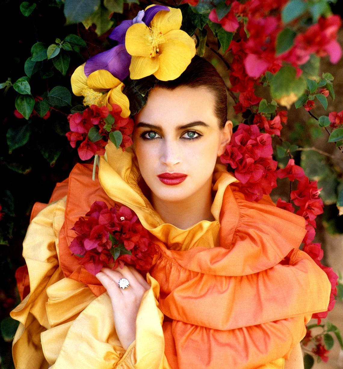 Amanda-Pays-Flowers-India-HQ