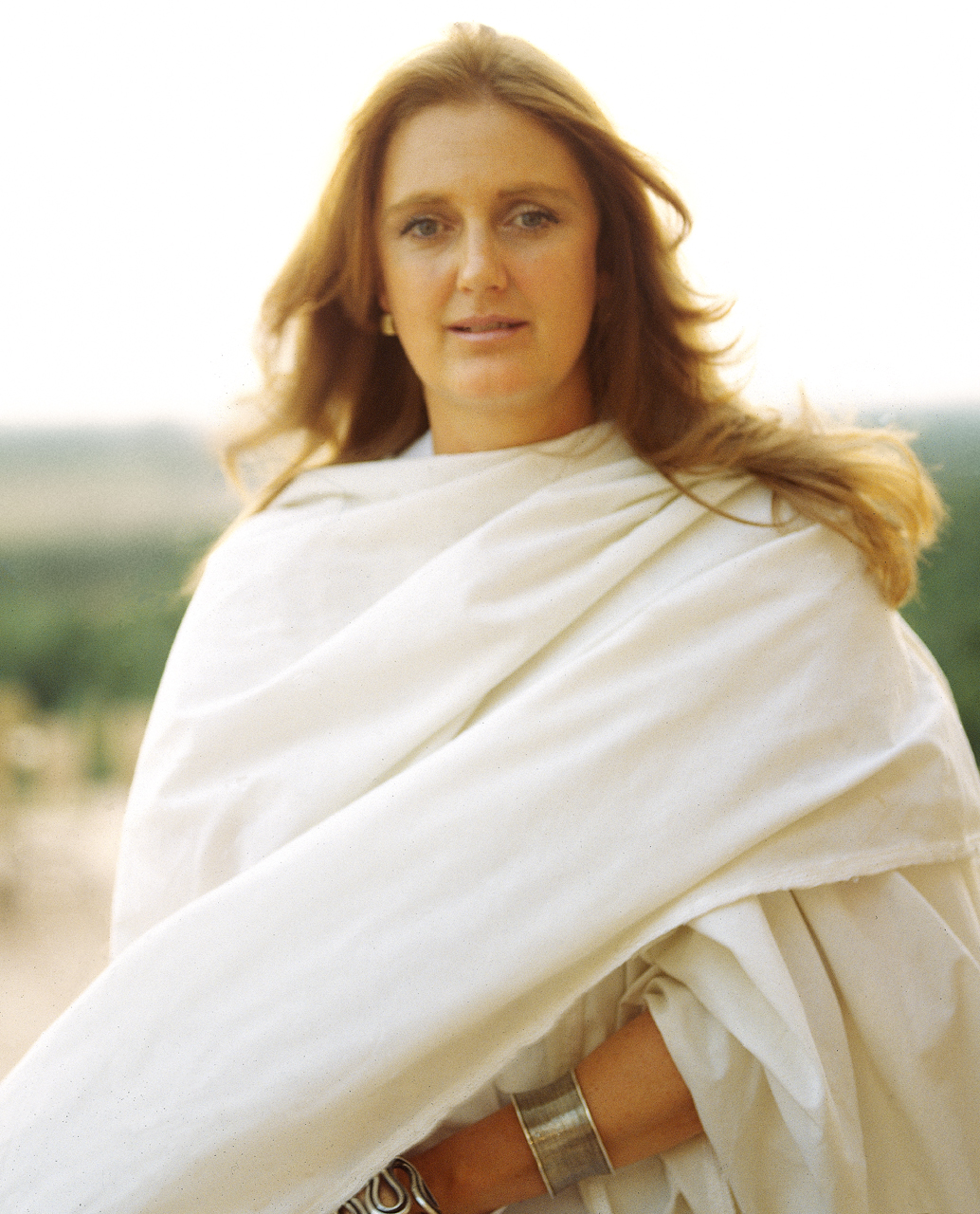 Francessca-Thyssen-White-robe.jpg