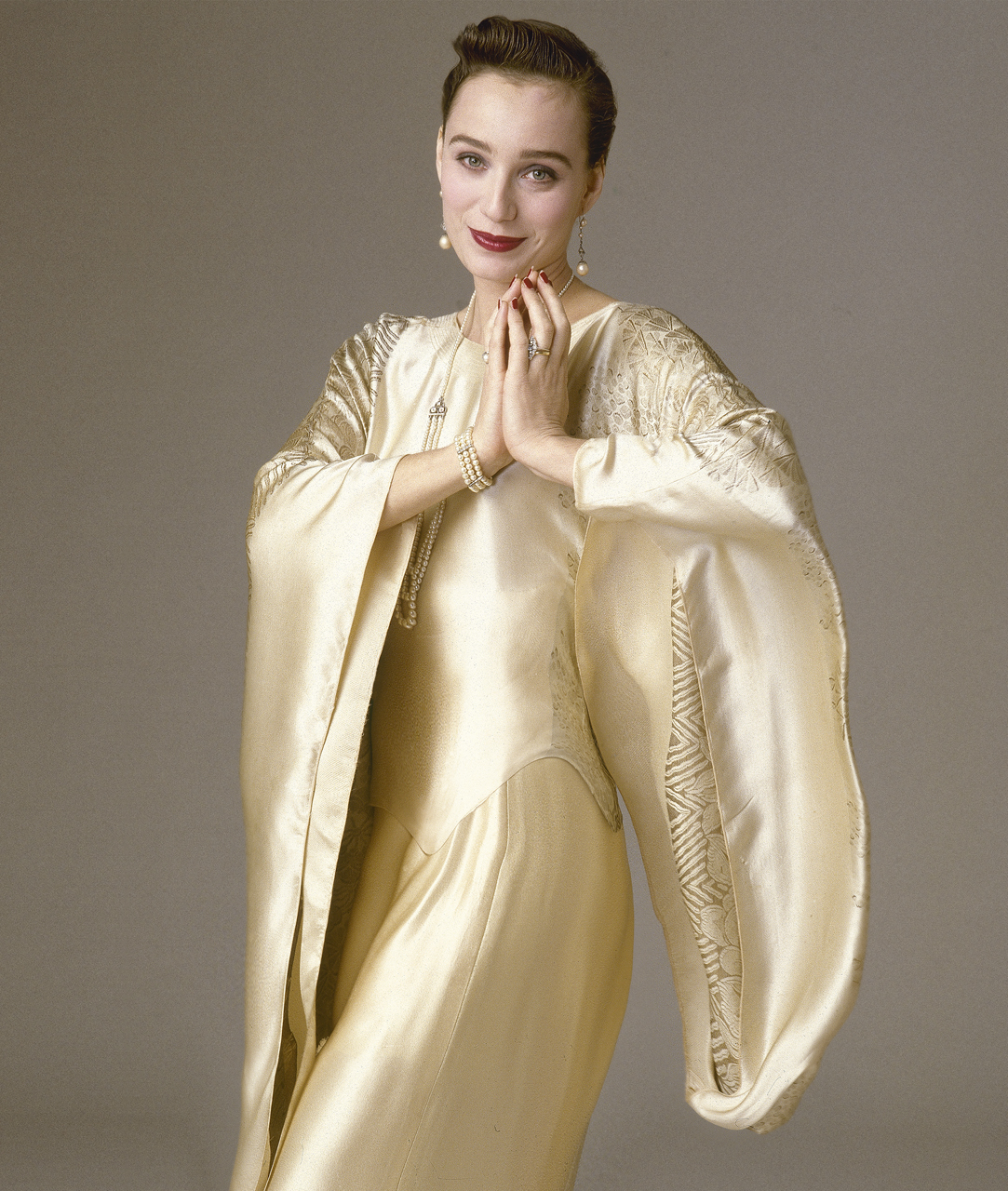 Kristen-Scott-Thomas.Gold-Satin-Dress.Arrowsmith
