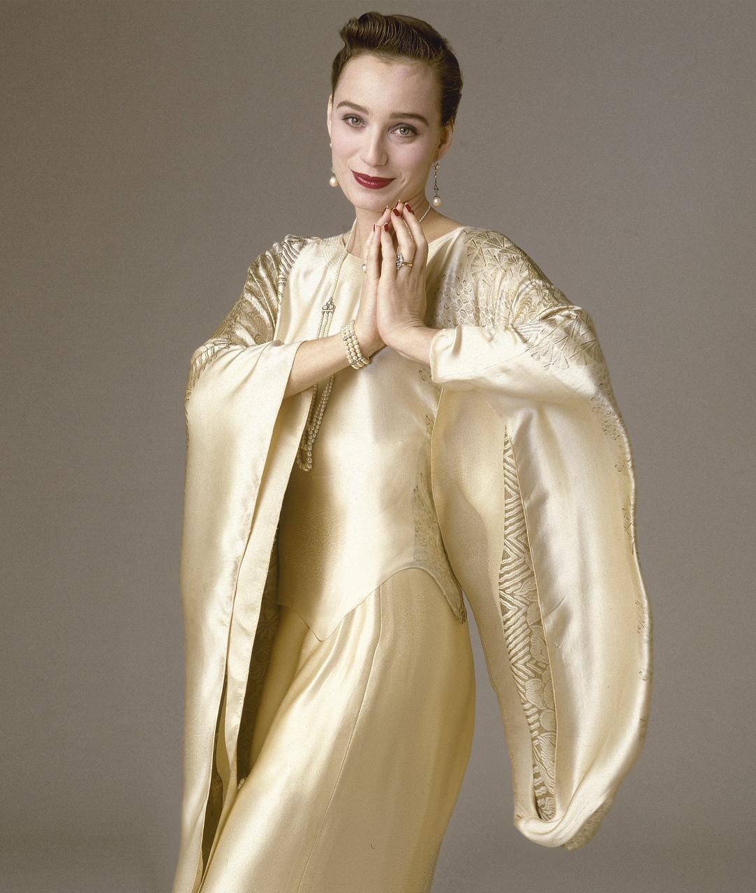 Kristen-Scott-Thomas.Gold-Satin-Dress.Arrowsmith