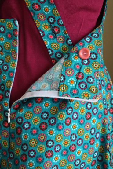 fraja_dress_zip_buttons