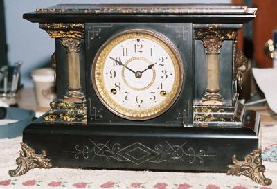 Seth Thomas Sparta Adamantine Mantel Clock