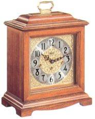 An excellent sounding quartz mantel clock, Hermle model 22825-i92115.