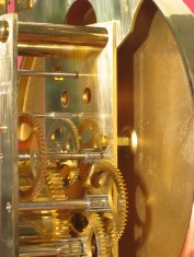 Later type of dial mounting (rotating fastener).