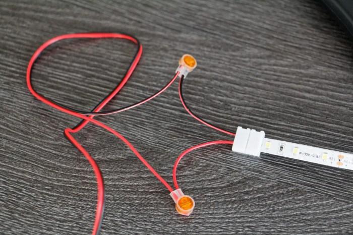 Mise en place des mini connecteurs électriques