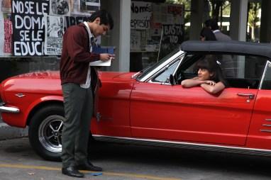 El hilo conductor es la relación entre Ana y Félix