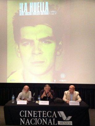 Nelson Carro de la Cineteca Nacional; el director Jorge Denti, y Carlos Sánchez de Cinemanía