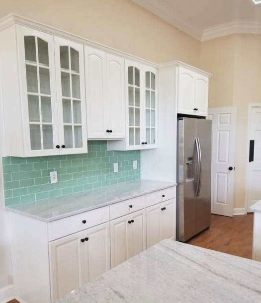 white cabinets black knobs