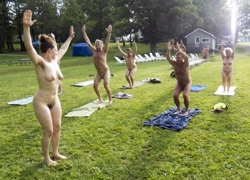 nude-yoga-northeast-naturist-festival-2016-empire-haven-young-naturists-america