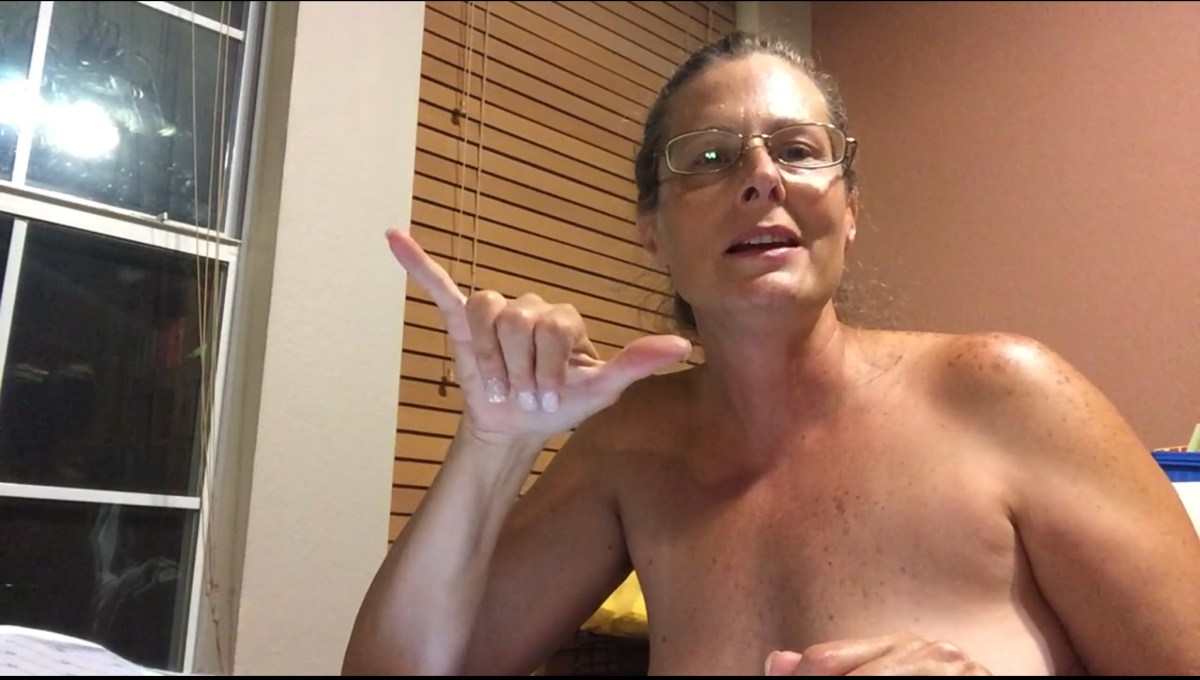 Texas naked lady - nude vlogger