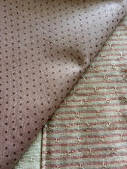 pink-quilt-with-binding-fabric