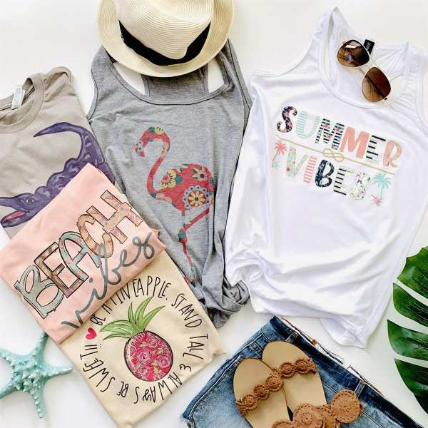Cute summer graphic tees #summerstyle #momstyle #tshirts