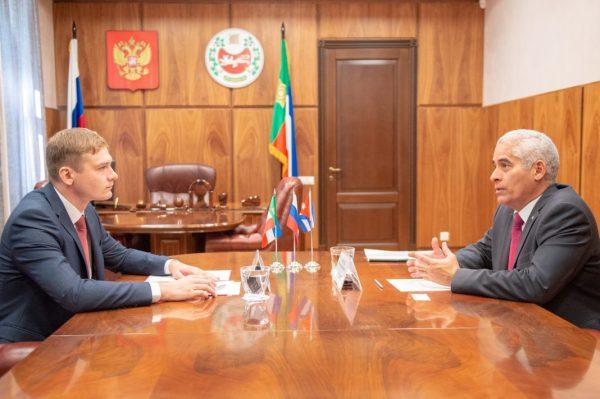 Валентин Коновалов встретился с послом Кубы - Пульс Хакасии
