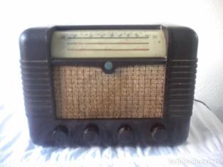 RADIO A VALVULAS MARCONI P51BA CAJA DE BAQUELITA DEL AÑO 1949. (Radios, Gramófonos, Grabadoras y Otros - Radios de Válvulas)
