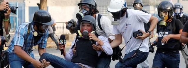 La dictadura de Maduro ya no sólo persigue y detiene arbitrariamente a periodistas independientes, sino también lo hace con ciudadanos que critican al régimen en redes sociales