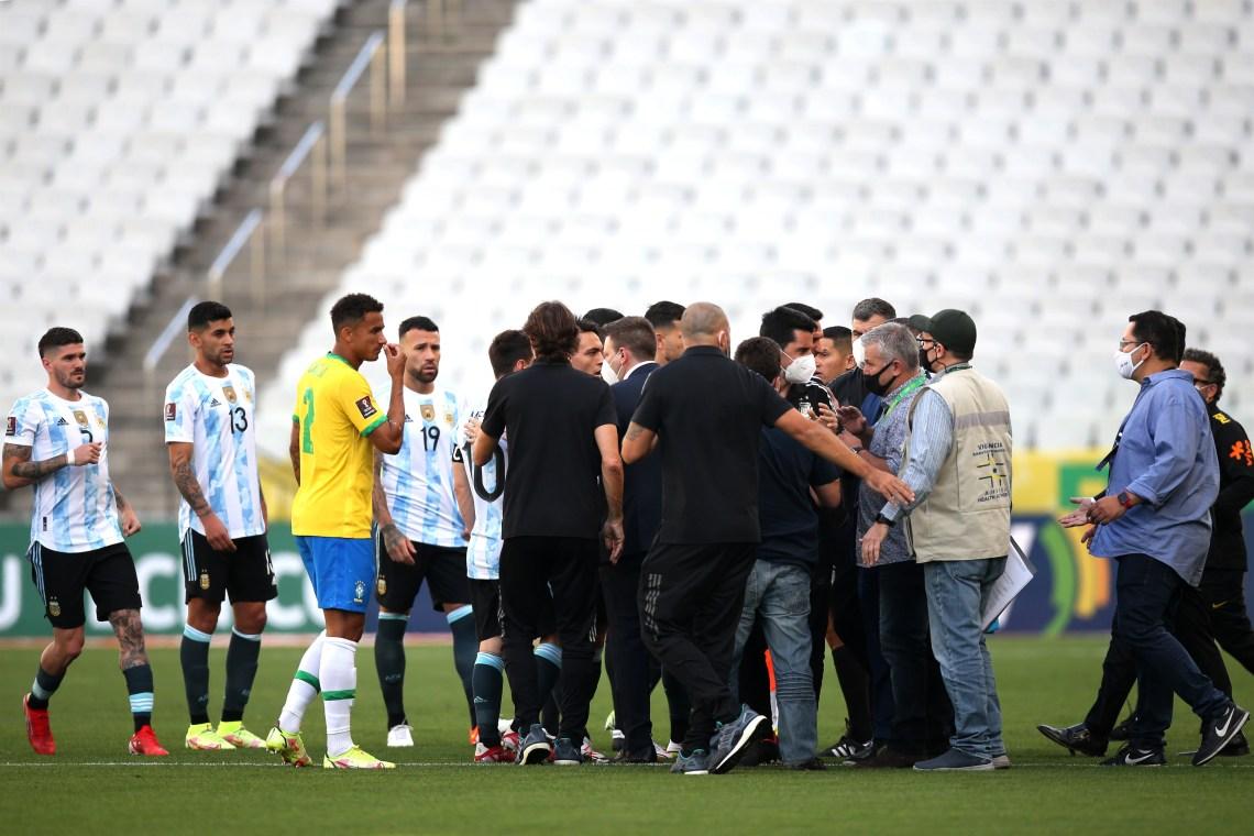 Nuevas revelaciones del escándalo entre Brasil y Argentina: el inspector de Anvisa llevaba una hora en el estadio - Infobae