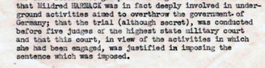 El expediente sobre Mildred del Grupo sobre Crímenes de Guerra del ejército estadounidense asombró a las dos biógrafas de Mildred.