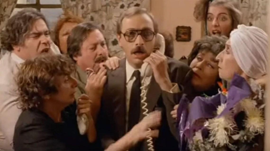 """35 años de """"Esperando la Carroza"""", el clásico del cine nacional que la crítica destrozó, pero los argentinos adoptaron para siempre - Infobae"""