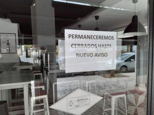 La Nación / Sector gastronómico: 15.000 personas más serán suspendidas  debido a restricción de horario