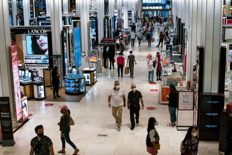 Customers visit Macy's flagship store in New York City, New York, US, May 20, 2021. REUTERS/Eduardo Munoz