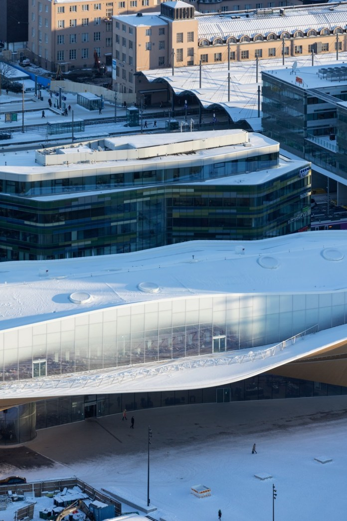 Press kit | 3977-01 - Press release | Helsinki Central Library Oodi - ALA Architects - Institutional Architecture - Aerial View - Close-up of Terrace - Photo credit: Iwan Baan