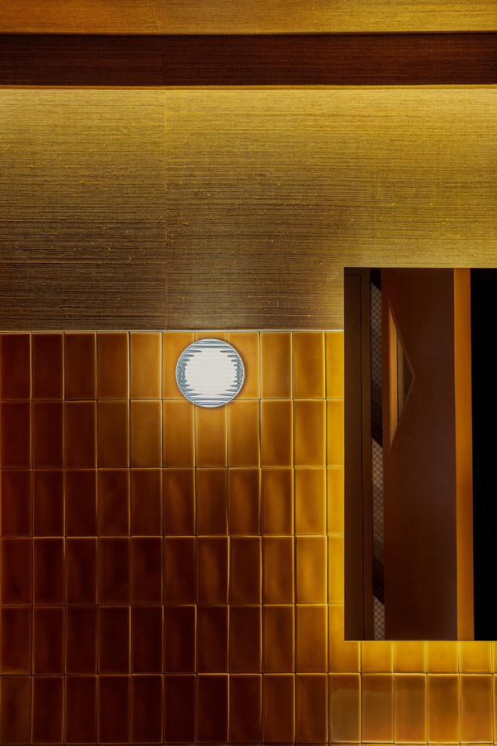 Press kit | 1301-03 - Press release | A slice of nostalgia: Atelier Zébulon Perron delivers a 'modern retro' interpretation - Atelier Zébulon Perron - Commercial Interior Design - Washroom - Photo credit: Jean-Sébastien Senécal