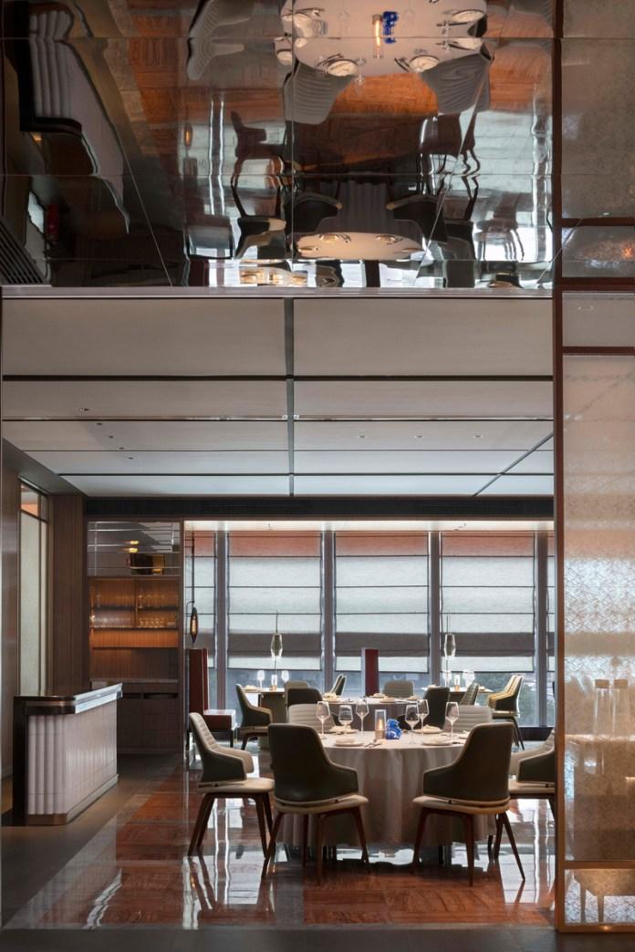 Press kit | 5588-02 - Press release | XU JI Seafood Restaurant (Land Kylin) - Daxiang Design Studio - Commercial Interior Design - A mirror image of dining hall - Photo credit: ©️Haha Lu