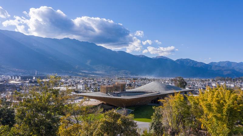 Press kit | 1002-04 - Press release | Yangliping Performing Arts Center - Studio Zhu-Pei - Landscape Architecture - Aerial view - Photo credit: Jin Weiqin