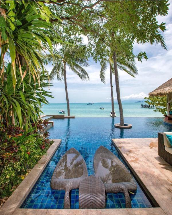 the luxury travel agency - 736×736