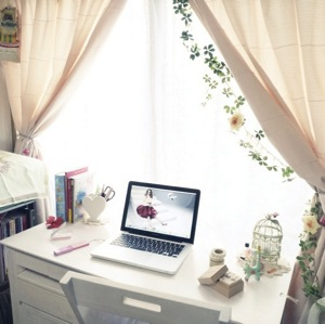 Ayatyのお部屋写真 about My Desk グリーン カーテン 鳥かご カーテンタッセル Mac ハート ホワイト アンディウォーホル ブックボックス RoomClip インテリア実例集 RoomClip ルームクリップ