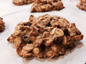Healthy Oatmeal Banana Chip Cookies
