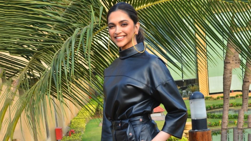 Deepika Padukone in a leather top and leather pants 1366x768 2