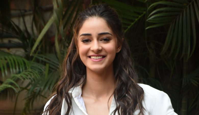 Ananya panday in a white skirt and shirt 1366x768 1
