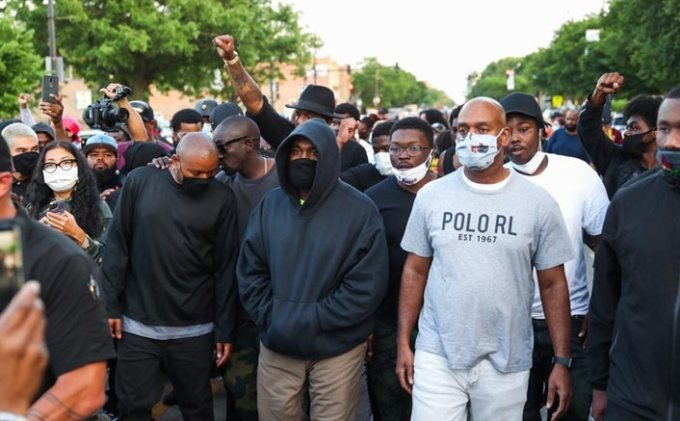 blacklivesmatter rapper kanye west joins protesters at his home town chicago backing justice for george floyd