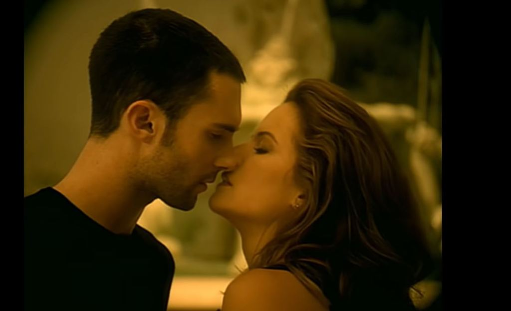 What is french kiss and how to do it