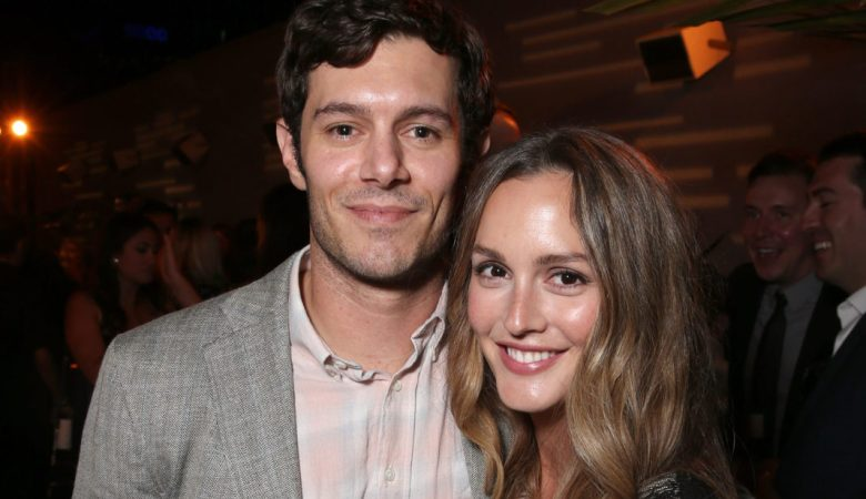Adam Brody and Leighton Meester 1068x641 1