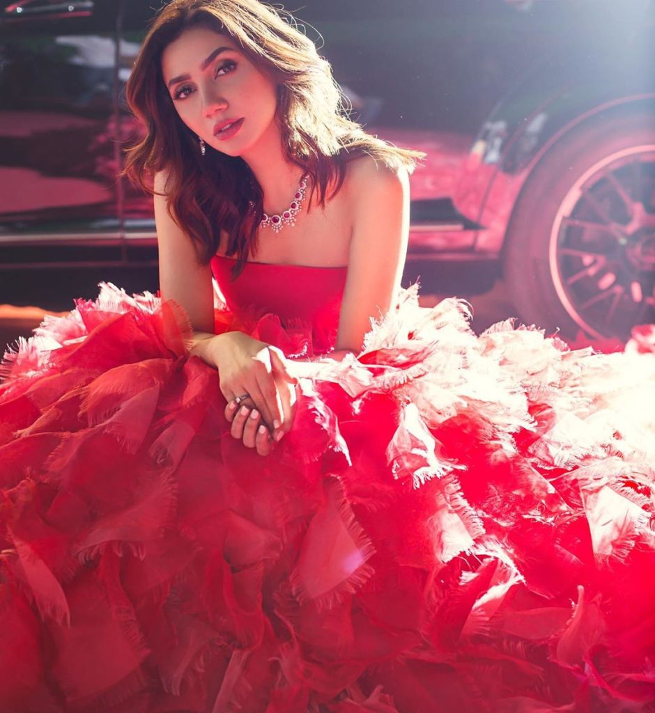 You Dont Have To Do Item Number To Get Respect Says Mahira Khan 35
