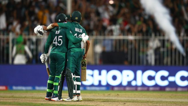 Pakistan beat New Zealand by 5 wickets, spot almost booked in semi-finals
