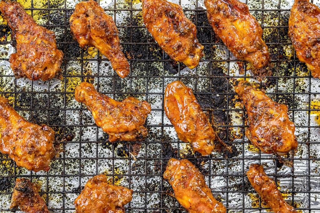 Keto Buffalo Chicken Wings - Glaze with Sauce
