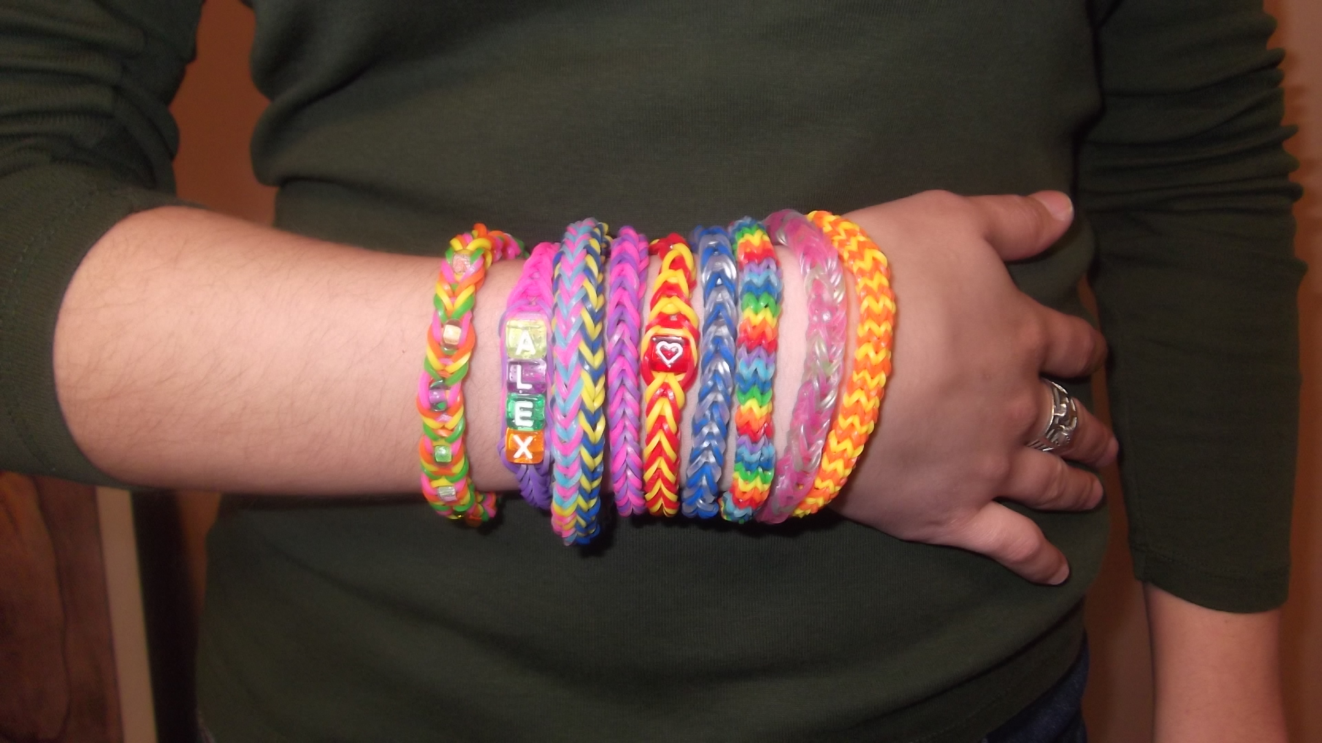 Make French Ship Bracelets With The French Knitter