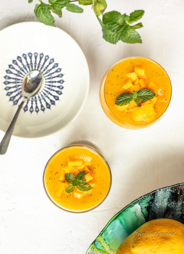 breakfast ideas, Breakfast recipes, Breakfast smoothie, cloves & caramel, Cloves and caramel, mango mint smoothie, Mango smoothie, mint, Sneha Kattinti